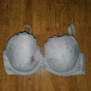 Victoria's secret bra in cream and rose gold lace